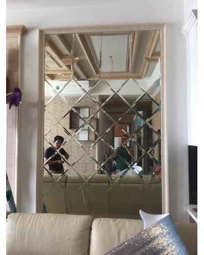 Gương bỉ cắt ghép quả chám phòng khách