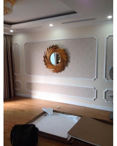 Gương khung màu vàng cổ điển trang trí phòng khách NUT