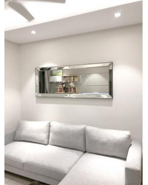 Gương trang trí tường sau sofa