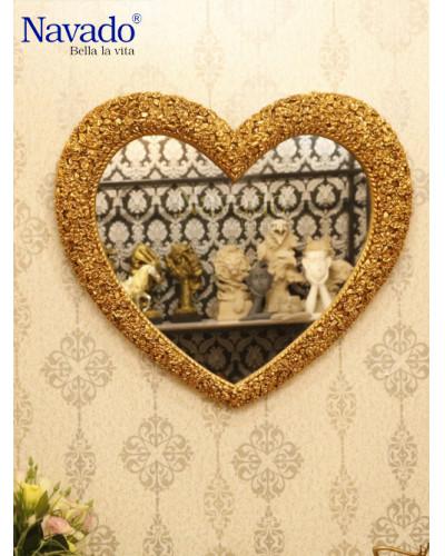 Gương decor treo tường phòng khách Trái Tim Muse