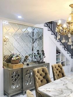 Gương ghép tường phòng khách Hà Nội